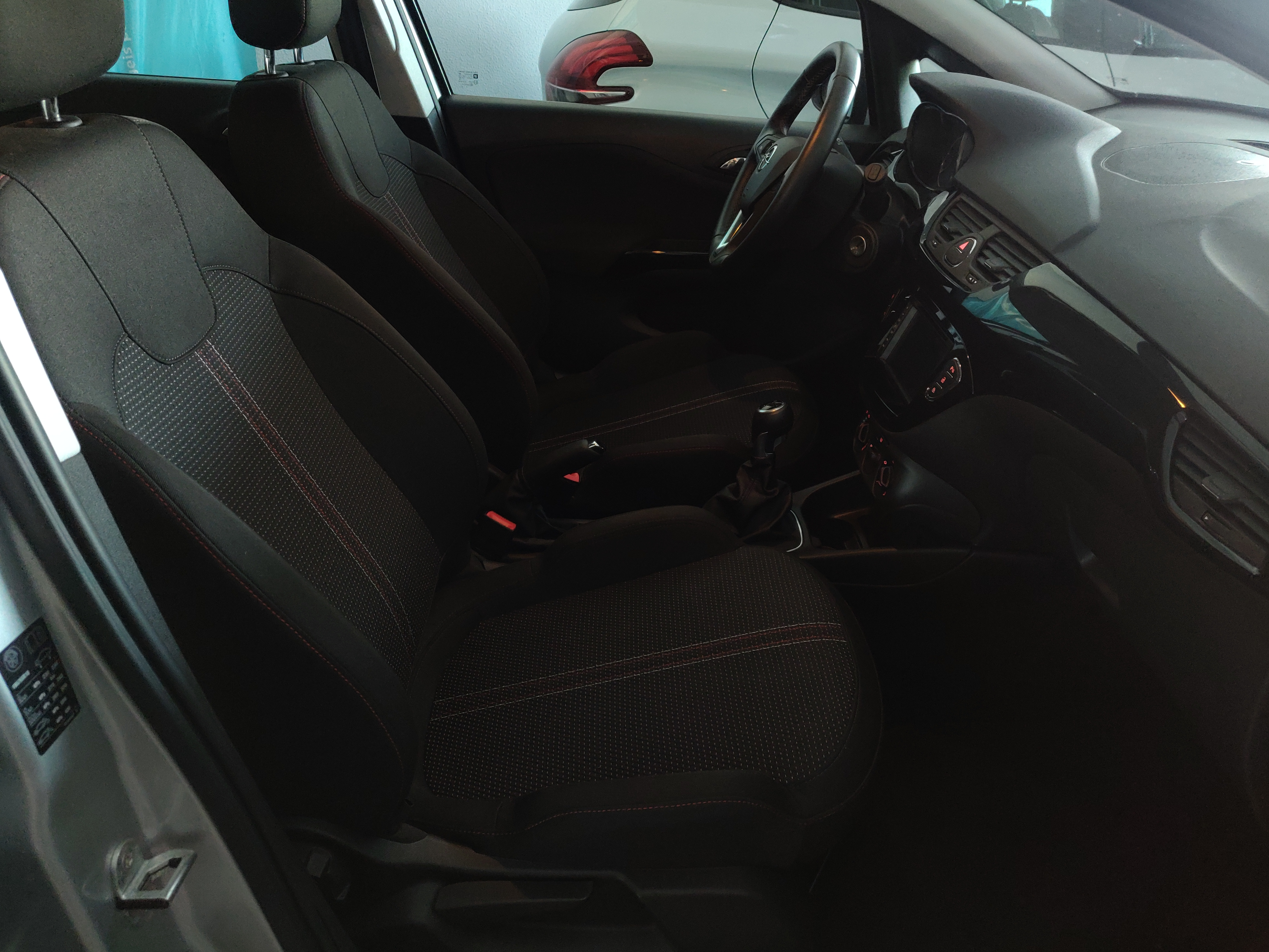 Opel Corsa 1.3 Color Edition | Imagem 12