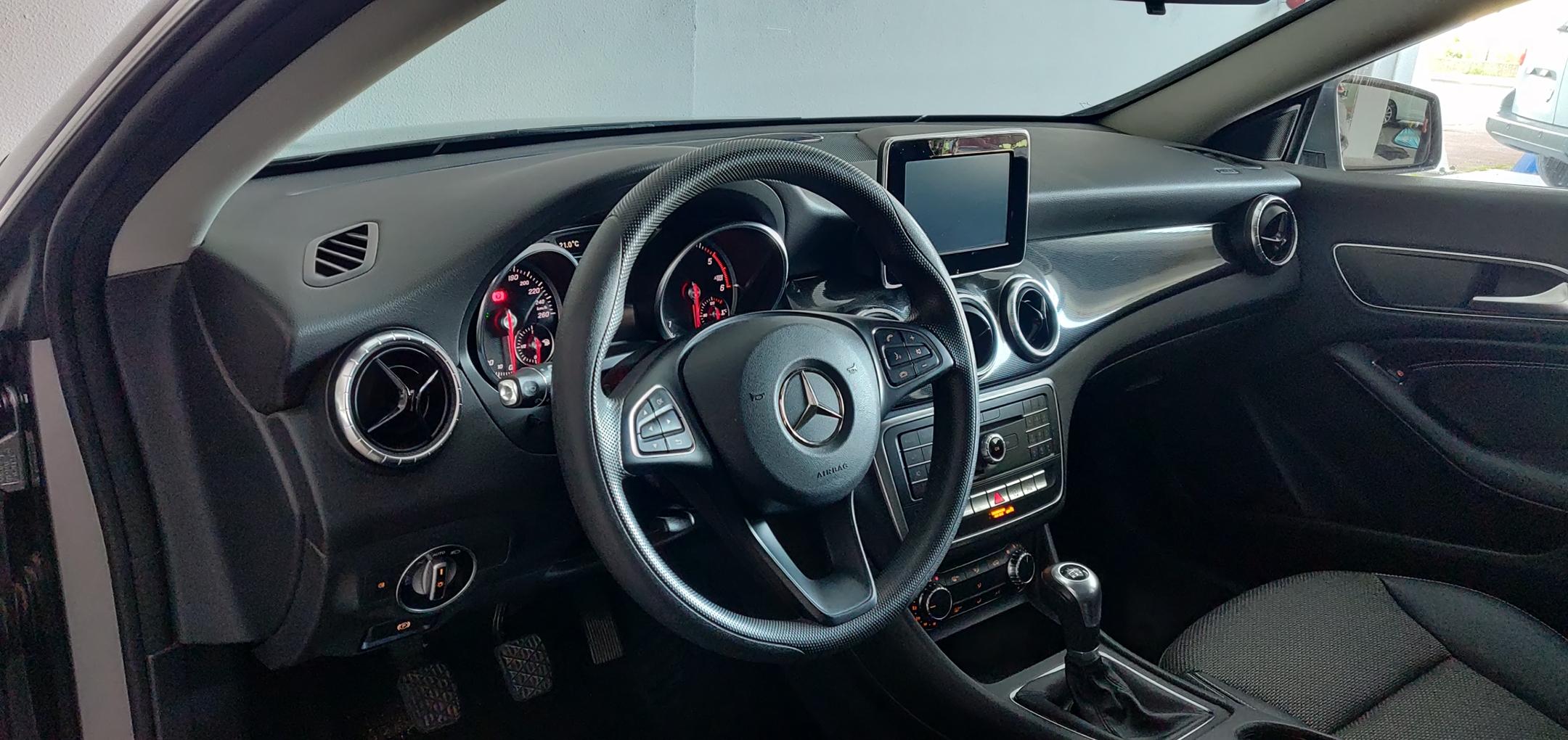 Mercedes-Benz CLA 180 1.5 Style | Imagem 9