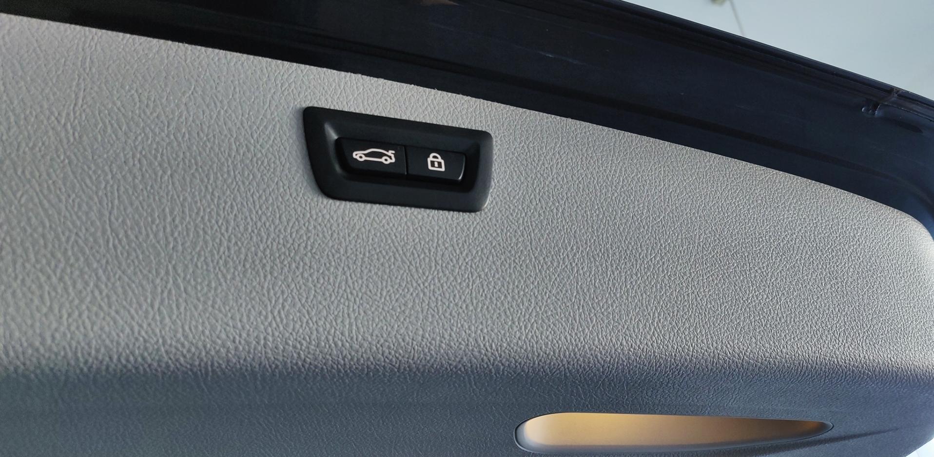 BMW 320 Luxury Line   Imagem 18