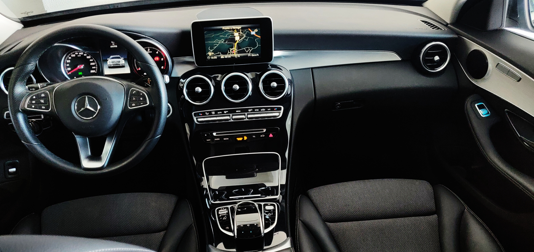 Mercedes-Benz C 220 Avantgarde | Imagem 9