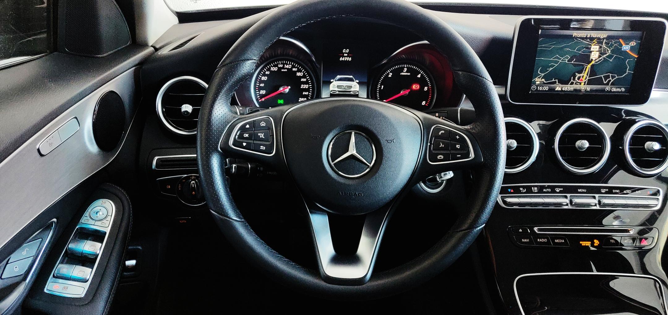 Mercedes-Benz C 220 Avantgarde | Imagem 10