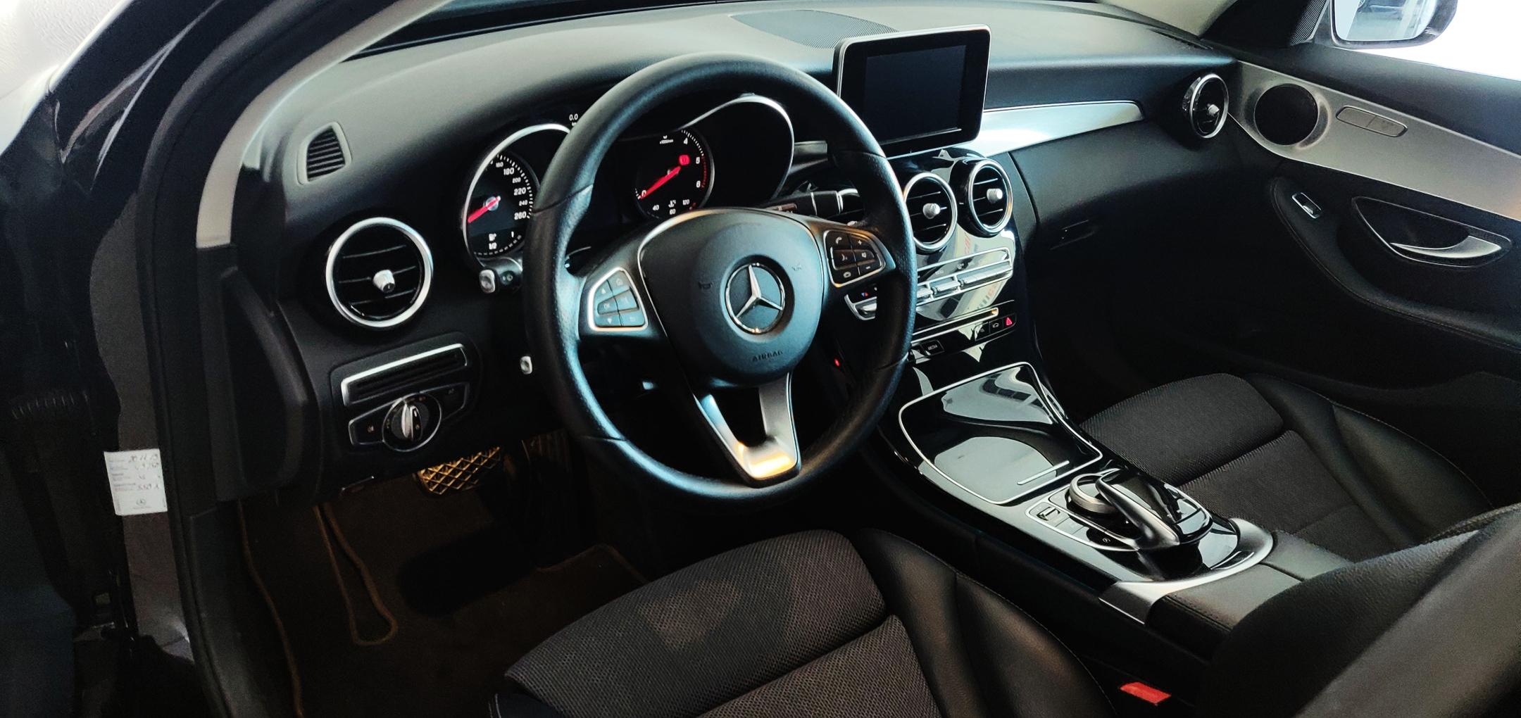 Mercedes-Benz C 220 Avantgarde | Imagem 14