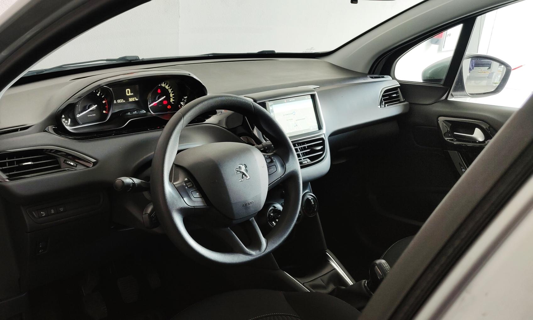 Peugeot 208 1.6 Active   Imagem 13