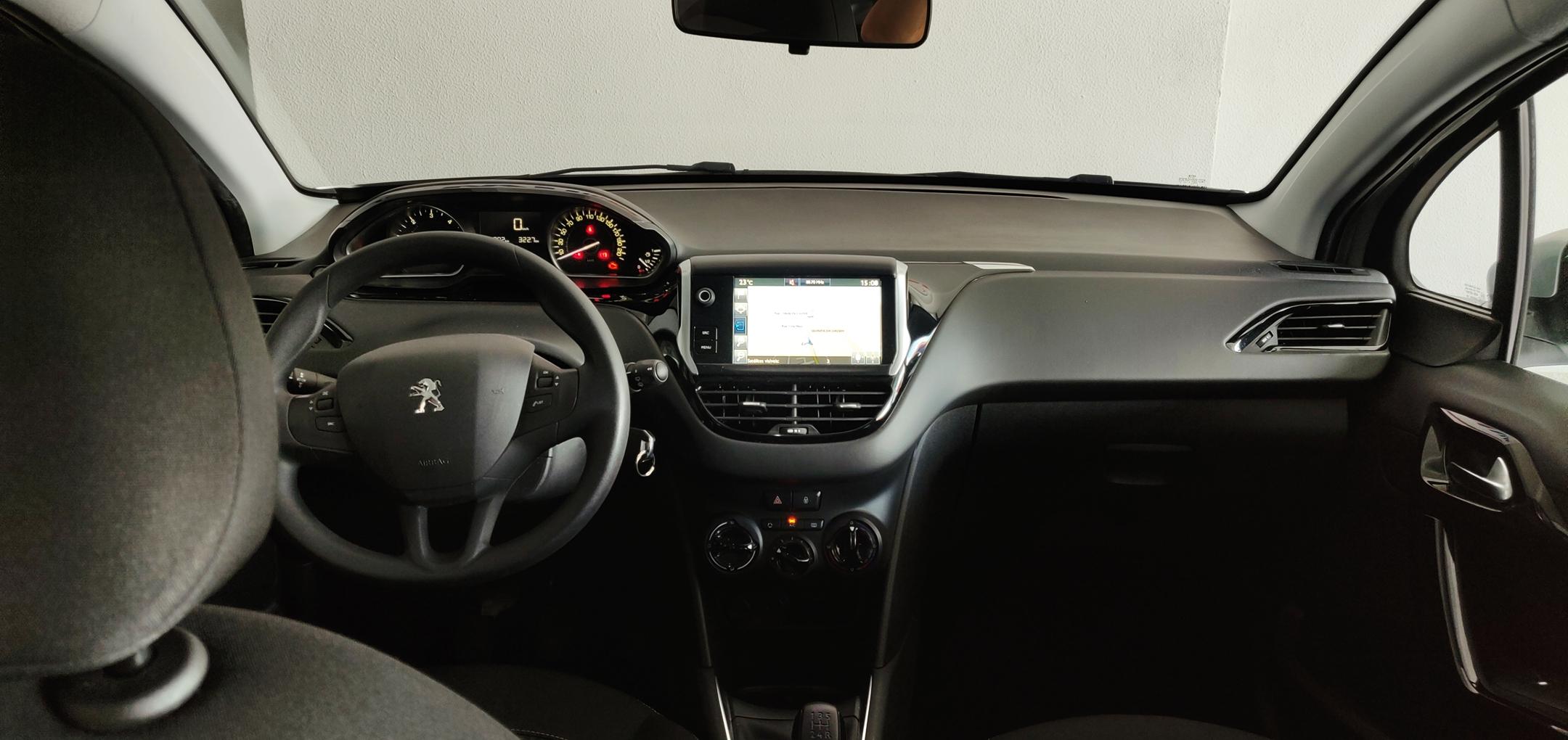 Peugeot 208 1.6 Active   Imagem 11