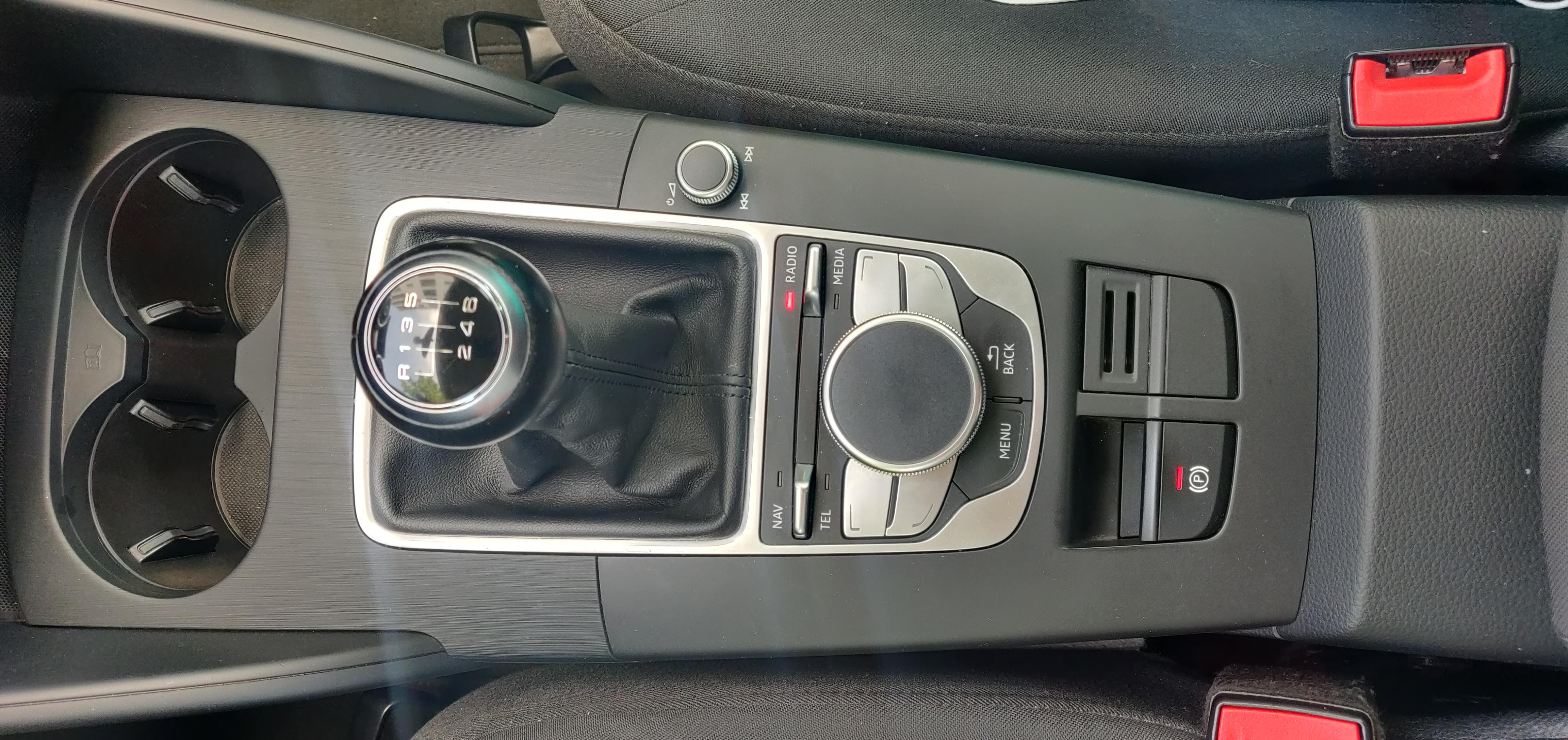Audi A3 1.6 Sportback Ultra   Imagem 12