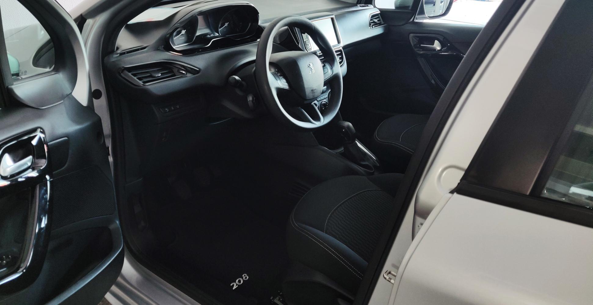 Peugeot 208 1.6 Active   Imagem 17