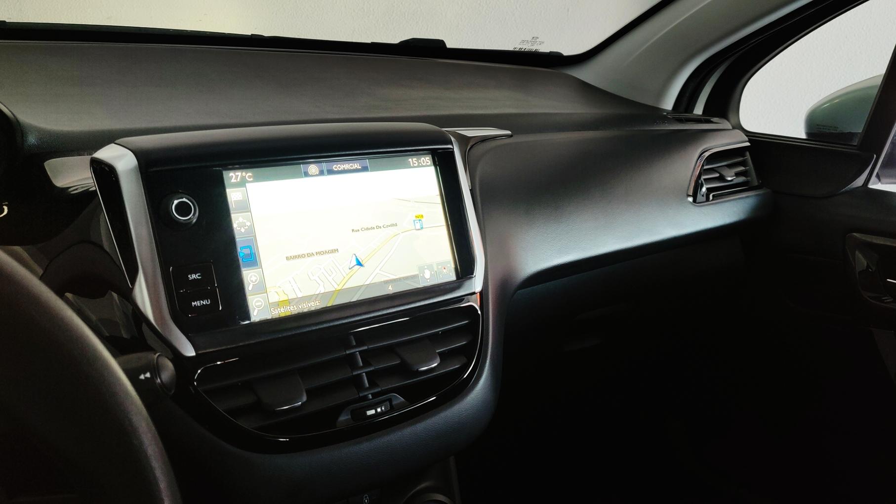 Peugeot 208 1.6 Active   Imagem 15